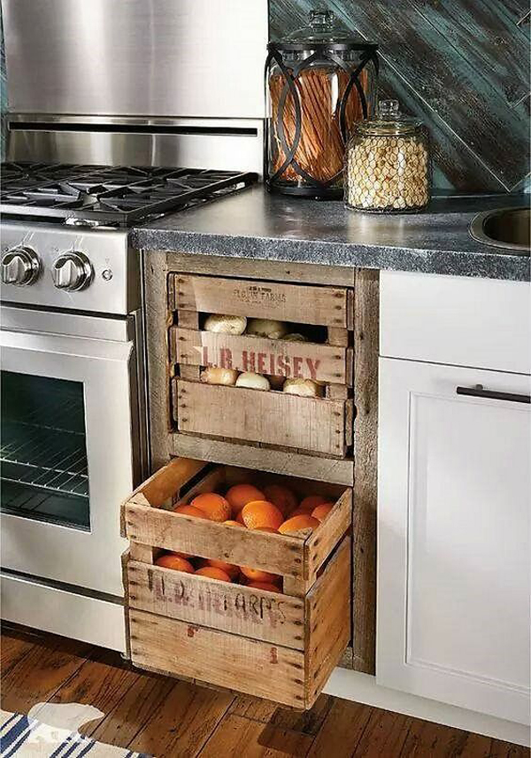 caixote de madeira na cozinha