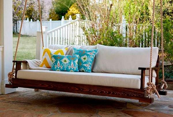 Móvel-de-madeira-na-varanda