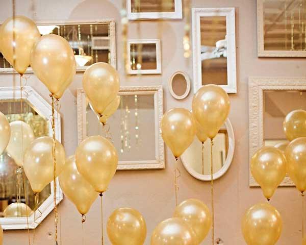 Balões-no-ano-novo