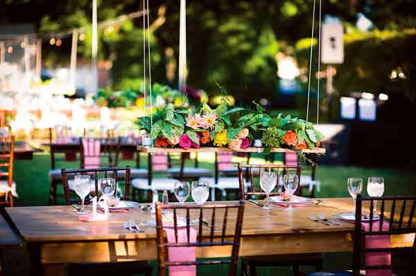 Móveis-rústicos-na-decoração-de-casamento