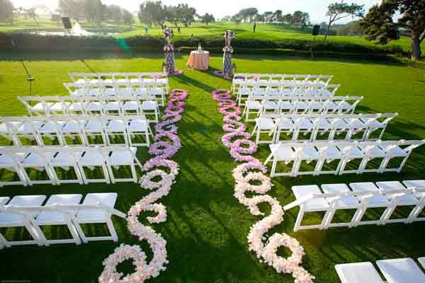 Caminho-de-flores-no-casamento