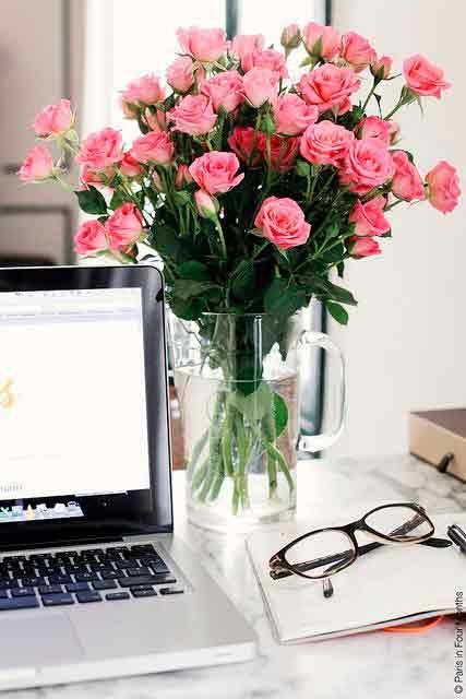 Flores-na-decoração-de-escritório