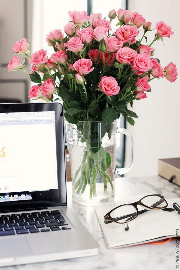 flores na decoração de escritório