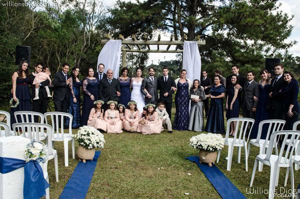 Casamento de campo azul-marinho