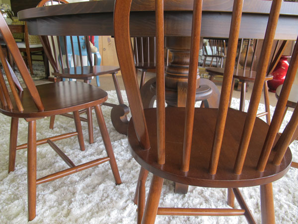 Cadeira-de-madeira-maciça
