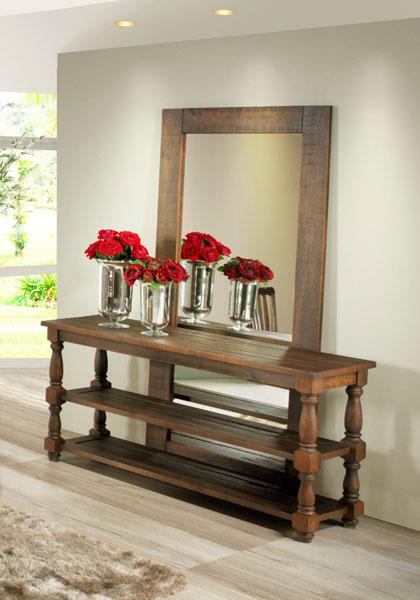 Aparador com espelho na decoração