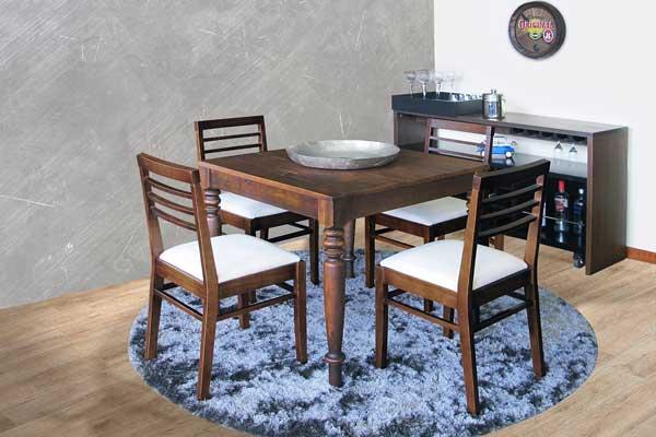 mesa quadrada para apartamento