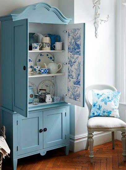 Armário de cozinha colorido