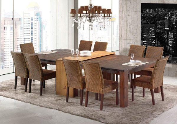 Mesa de jantar com tapete