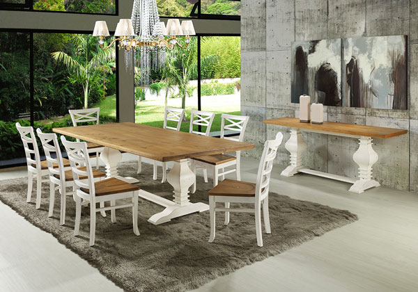 sala de jantar com móveis brancos com madeira