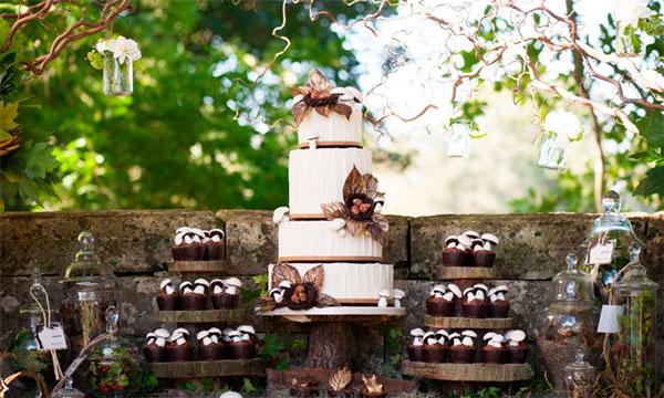 Móveis de madeira no casamento