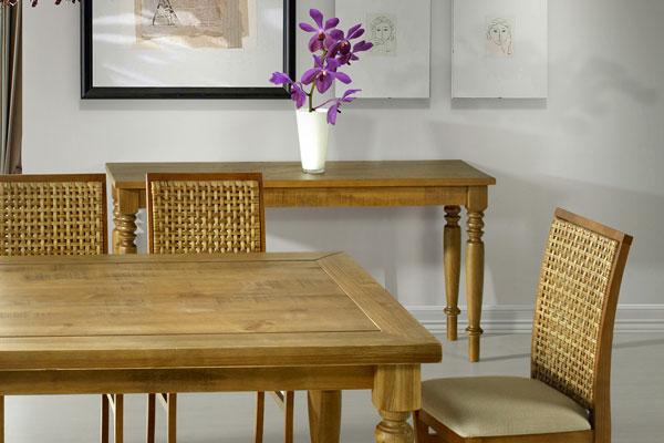 Sala de jantar com aparador
