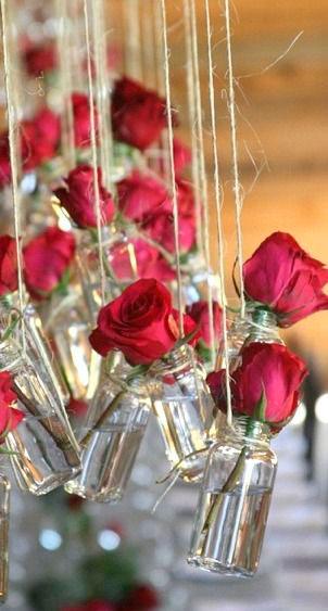 Vasos suspensos na decoração de casamento