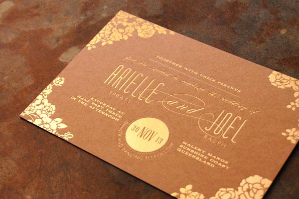 Convite de casamento marrom