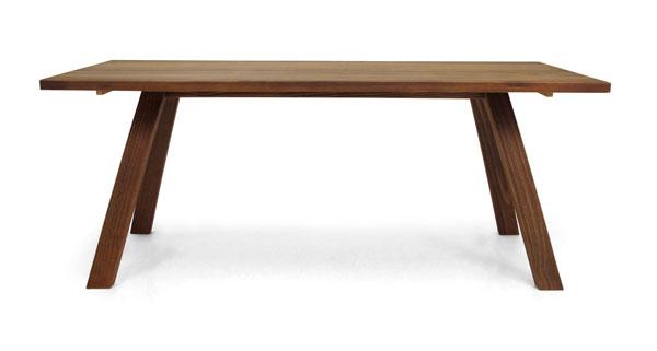 mesa de madeira para churrasco