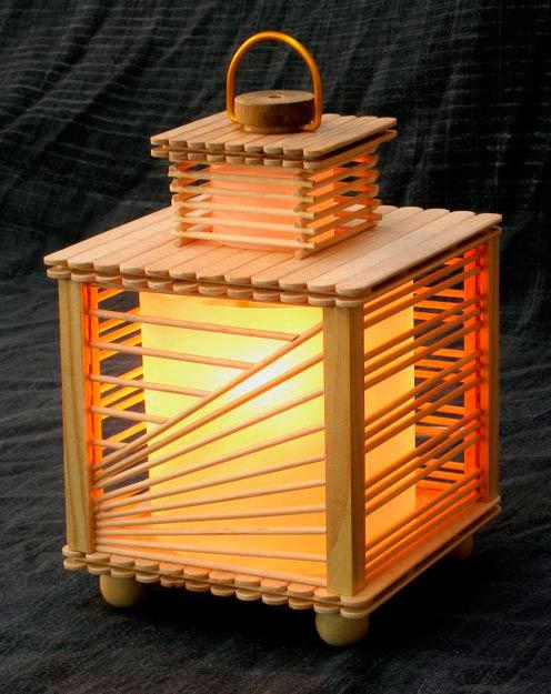 Luminária de palitos de sorvete