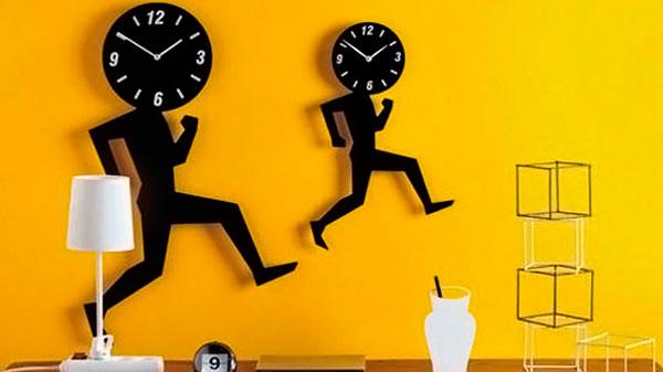 relógios modernos na decoração