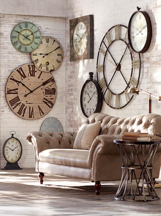 vários relógios na decoração