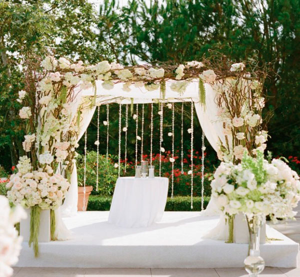 wedding reception decorations sale pergolado de madeira traz aconchego 224 225 rea externa iaza 9890