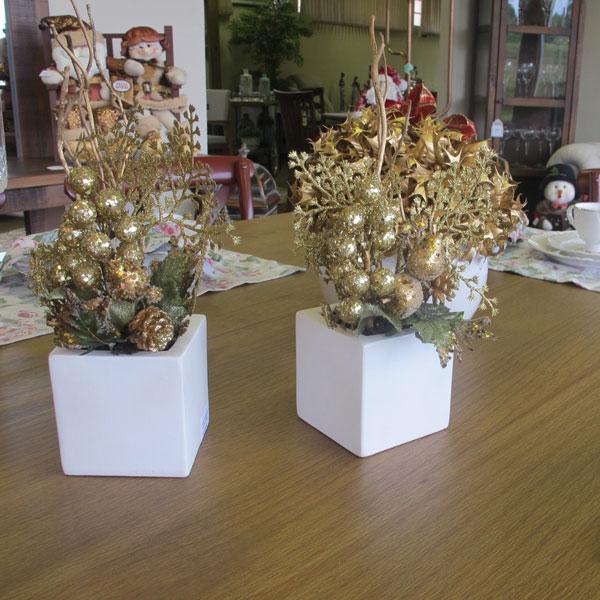mesa de jantar decorada para o nata