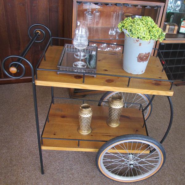 carrinho de chá na decoração da casa