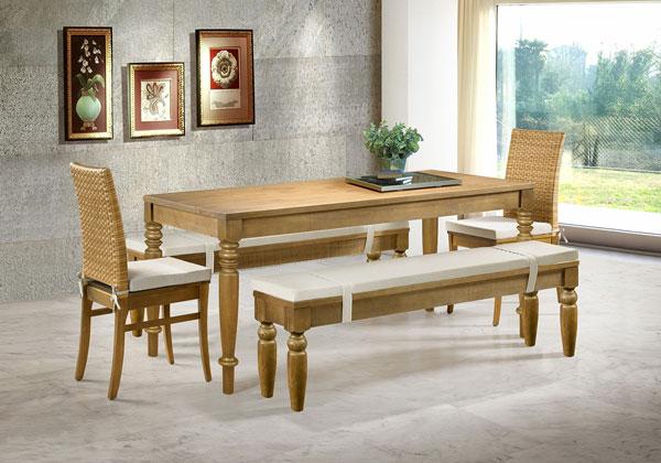 Móveis de madeira maciça sustentável