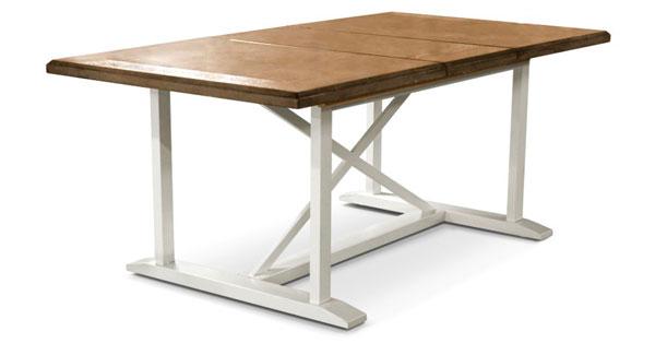 mesa de jantar de madeira e metal