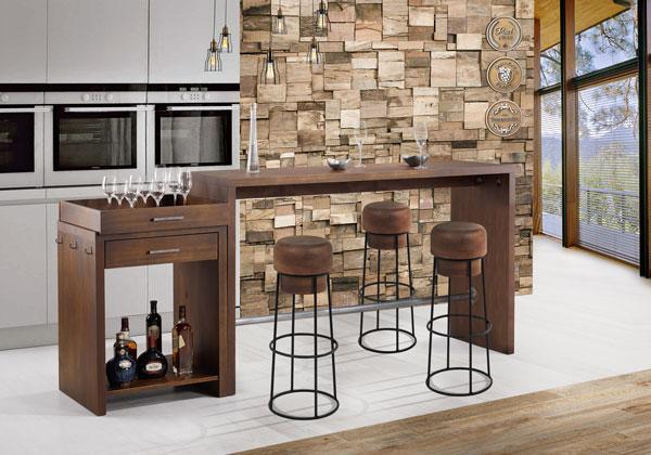 area gourmet com móveis de madeira e ferro