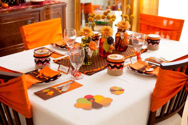 toalha de mesa na mesa de jantar