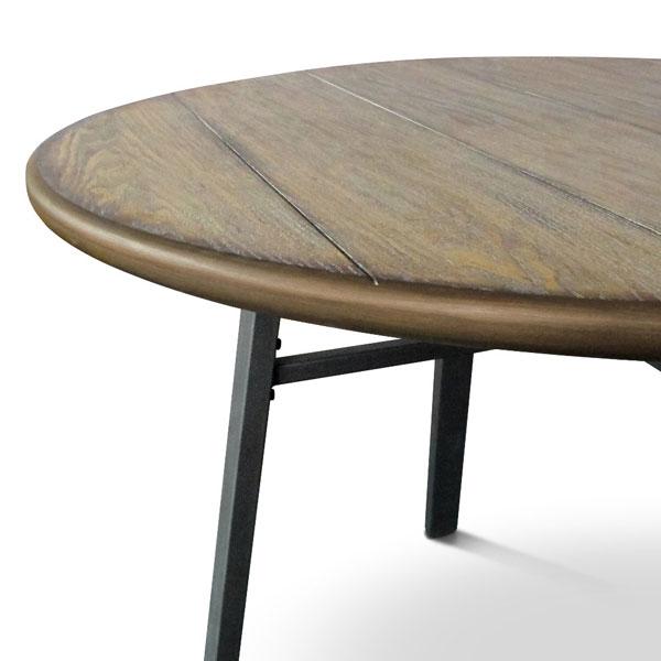 mesa rústica de madeira e metal