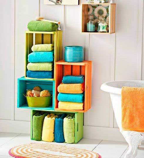 Caixotes de madeira coloridos