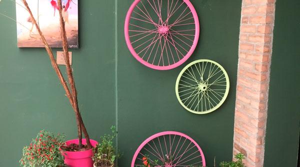 Pneus de bicicleta na decoração