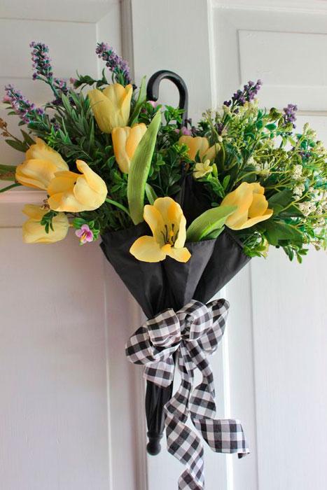 vaso de flor com guarda-chuva