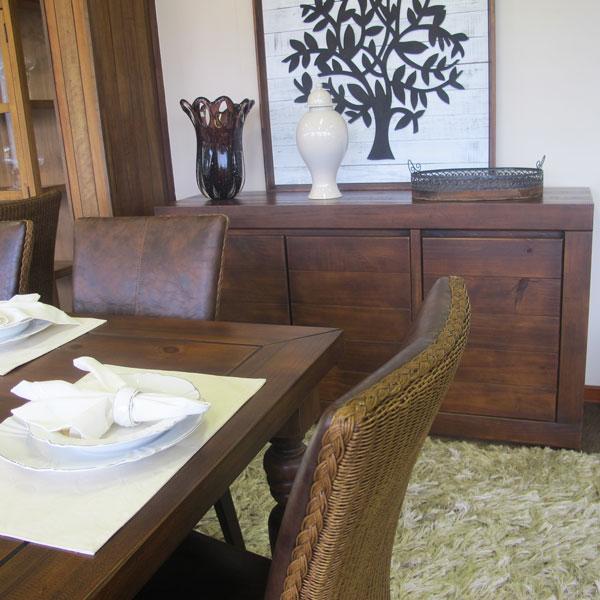 buffet de madeira maciça