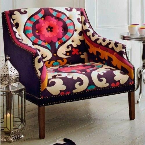 cadeira com estilo étnico