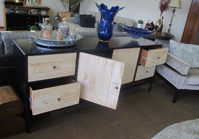 buffet de madeira na decoração