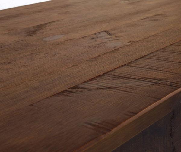 Cuidados com móveis de madeira
