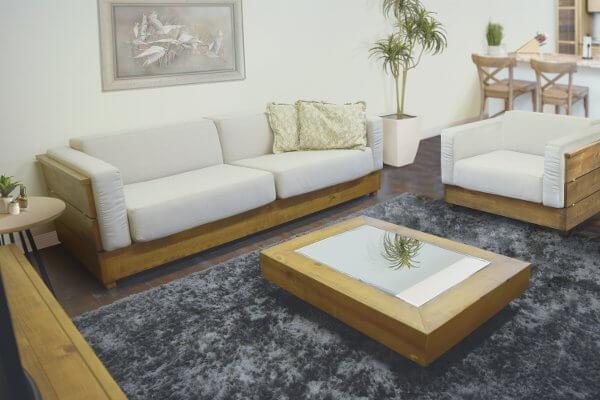 sofá de madeira para sala de estar rústica