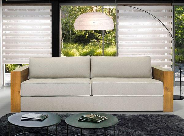 Sofá com braços de madeira - lançamentos de móveis iaza