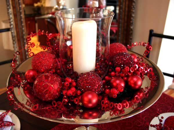 Bolinhas de natal na mesa
