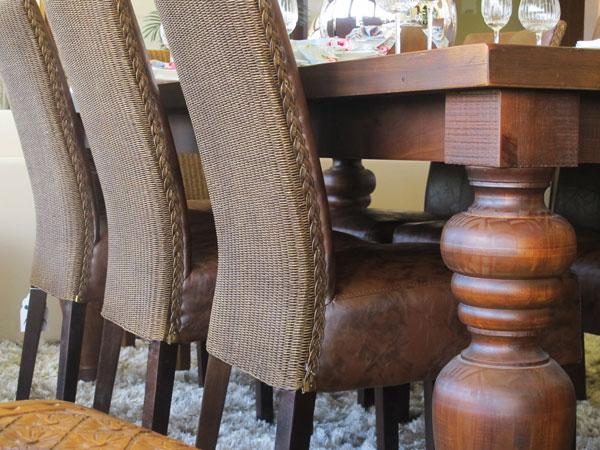 móveis de madeira torneados