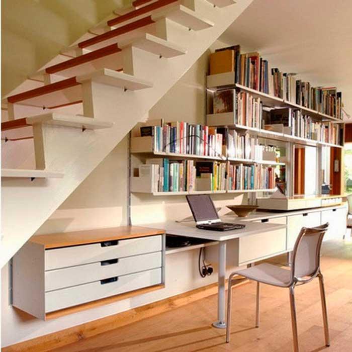 Como decorar embaixo da escada