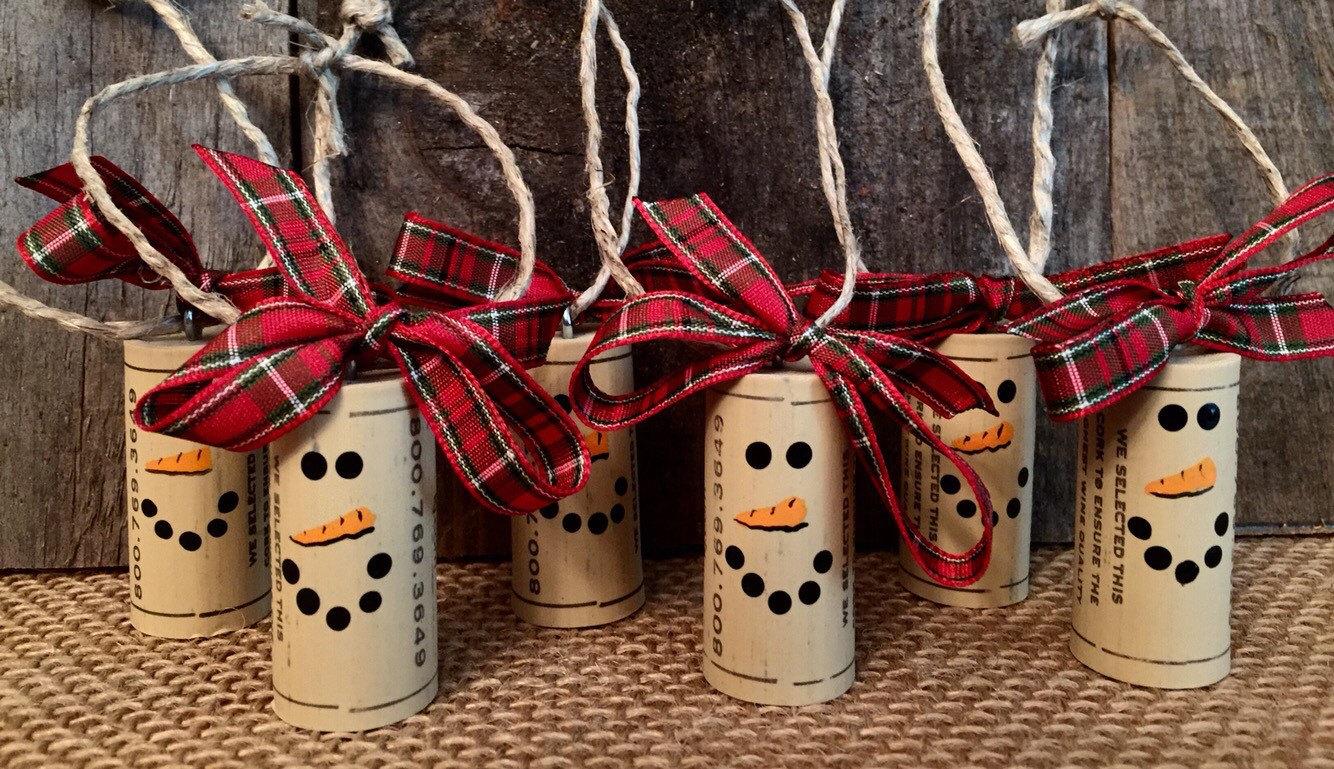 Enfeites natalinos recicláveis