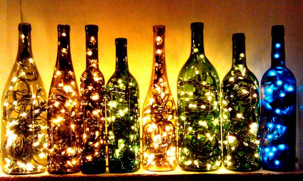 Garrafa com luzes no natal