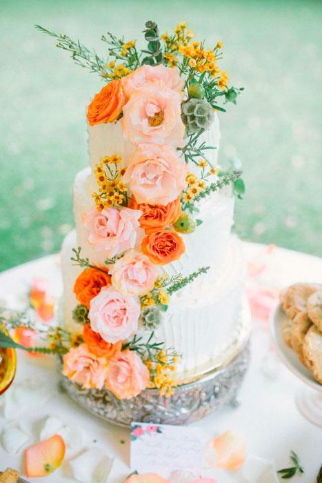 bolo de casamento no verão