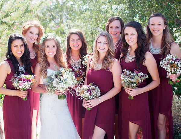 madrinhas de casamento com mesma cor