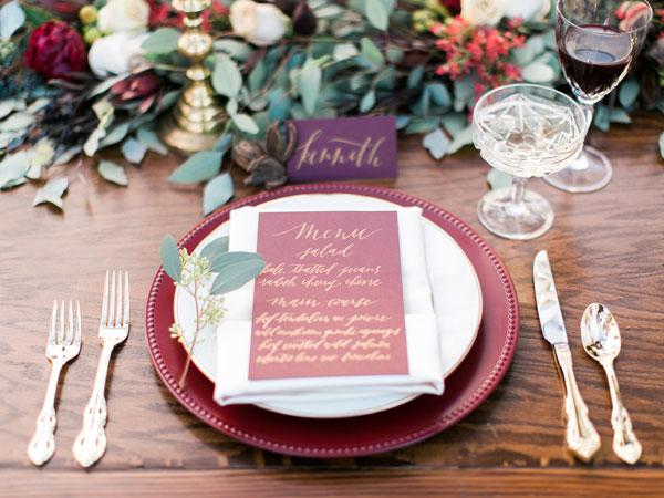 decoração de casamento de inverno com marsala