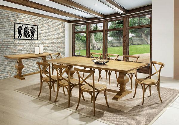 sala de jantar com parede de tijolo