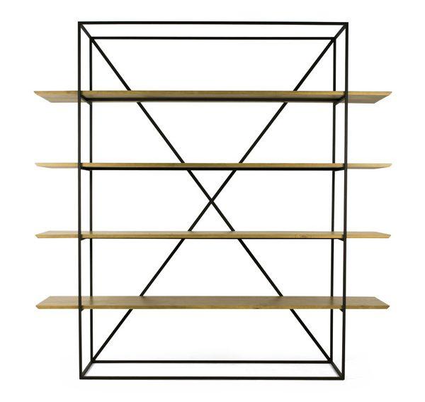 estante de madeira e ferro