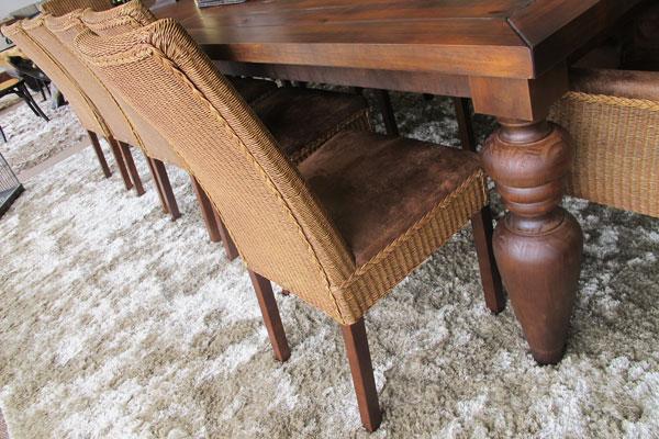 cadeira com fibra natural